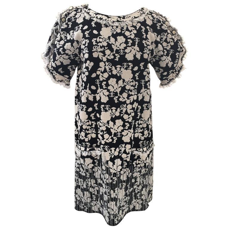 CHANEL Black/White Printed CC Dress size 38 1