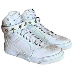 Givenchy Tyson High Top Leather Sneakers shoes with Stars, in pristine condition
