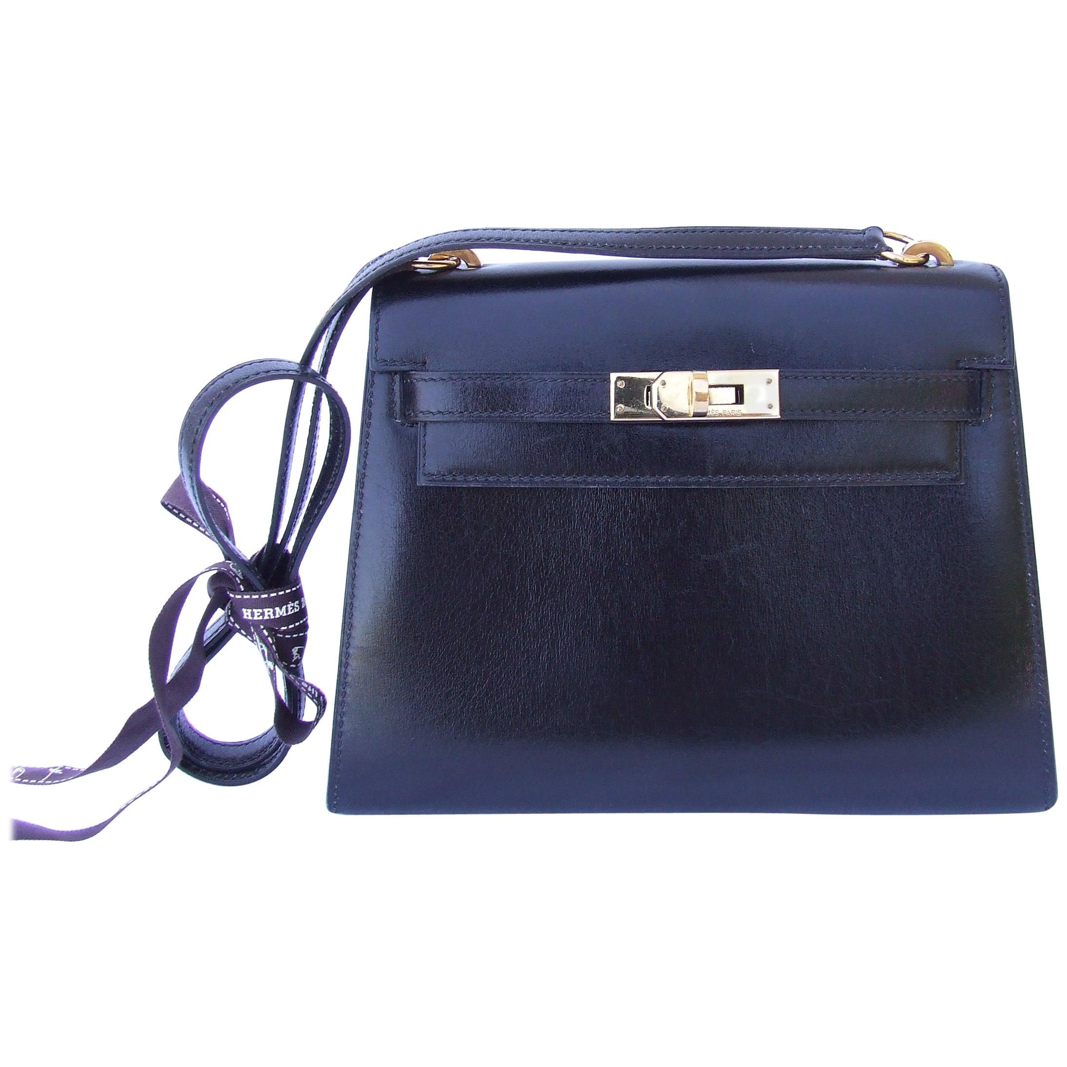 3c3e4270bd3 Hermès Vintage Mini Kelly Sellier Bag Black Box Leather Gold Hdw 20 cm at  1stdibs