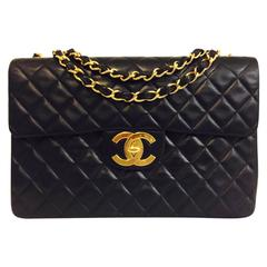 Classic Chanel Single Flap Handbag in Black Quilted Lambskin