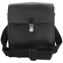 Louis Vuitton Yaranga Black Taiga Leather Messenger Bag