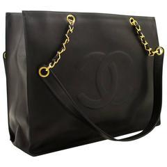 CHANEL Caviar Jumbo Large Chain Shoulder Bag Black Leather Big