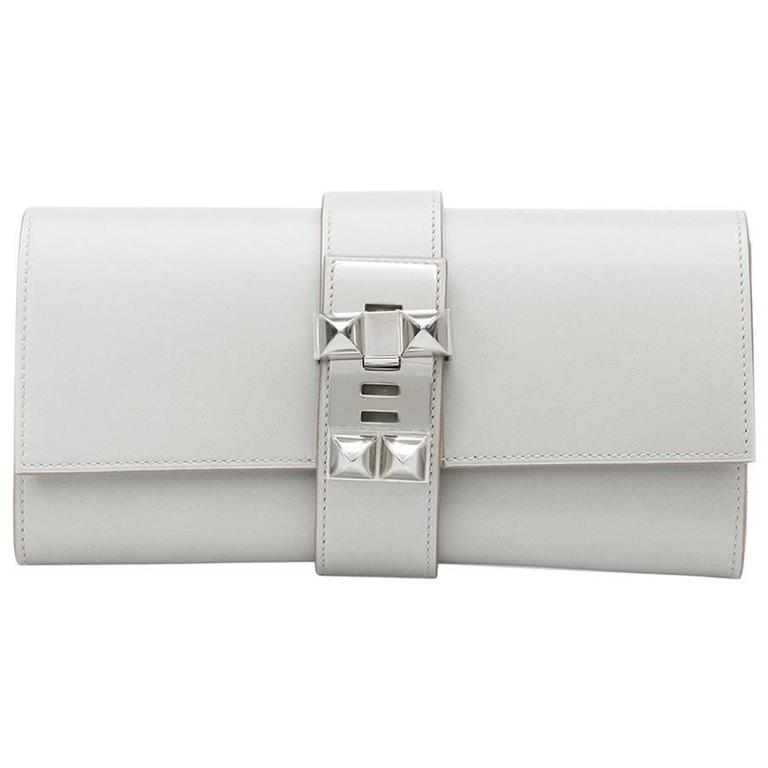 2015 Hermes Gris Perle Tadelakt Leather Medor 23 Clutch