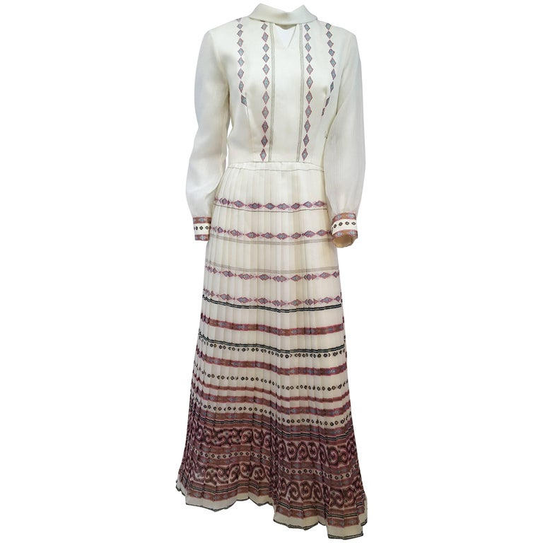 70s Shaheen Print White Maxi Dress For Sale