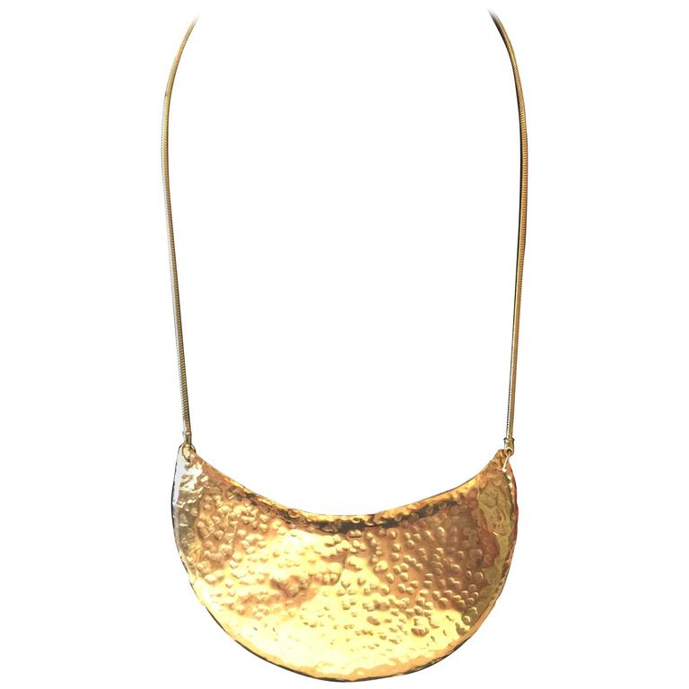 1970s DeLillo Hammered Brass Modernist Breastplate Necklace 1