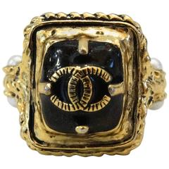 Limited 2011 Chanel Gold & Black Enamel Cocktail Ring sz 7
