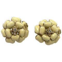 WON-DER-FULL Chanel CC Camélia Earings enamel and gold métal / RARE