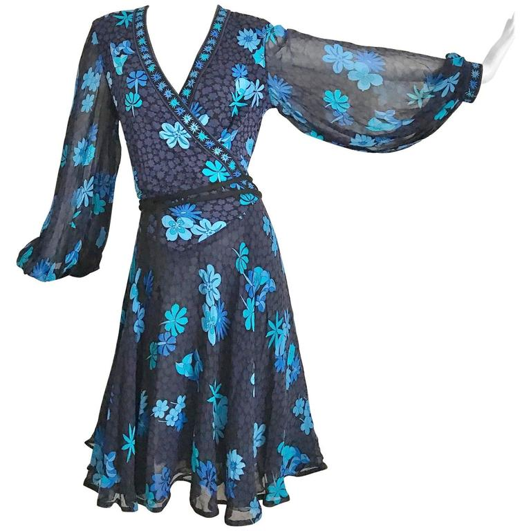 1970s Bessi black and blue floral print silk jersey dress For Sale