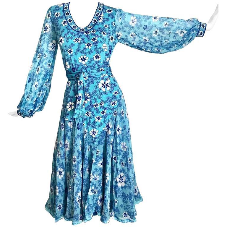 1970s Light silk jersey Bessi blue and white floral  print summer dress 1