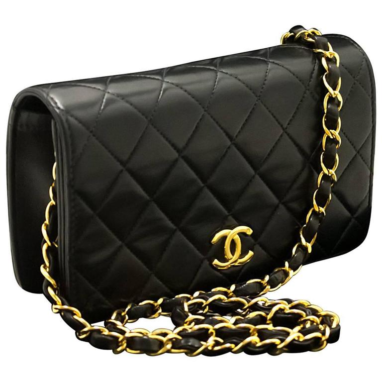 72b5684aa8cc CHANEL Chain Shoulder Bag Clutch Black Quilted Flap Lambskin Purse For Sale