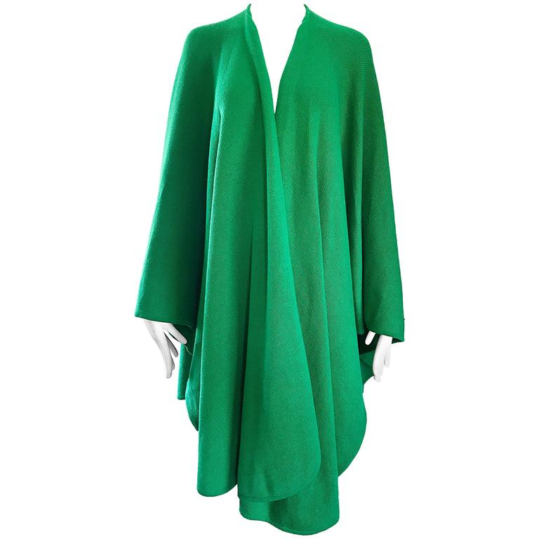 Halston Kelly Green Fabulous Signature Knit Dramatic Sweater Cape, 1970s For Sale
