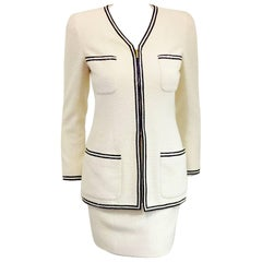 Chanel 1995 White Boucle Suit With Black & White Raffia Trim And Zipper Front