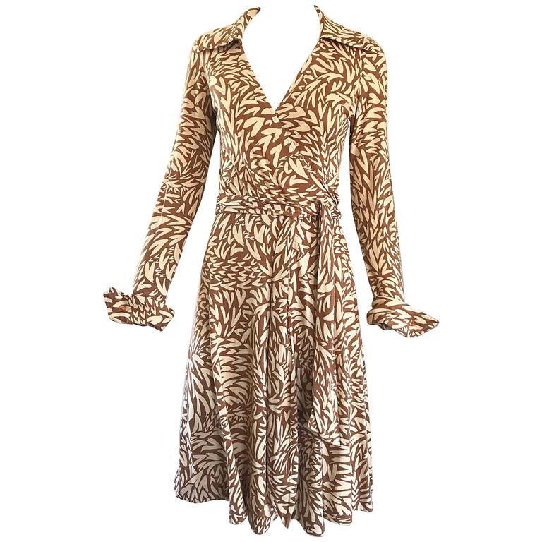 57623a375ffc0 1970s Diane Von Furstenberg Iconic Heart Print Signature Vintage 70s Wrap  Dress For Sale
