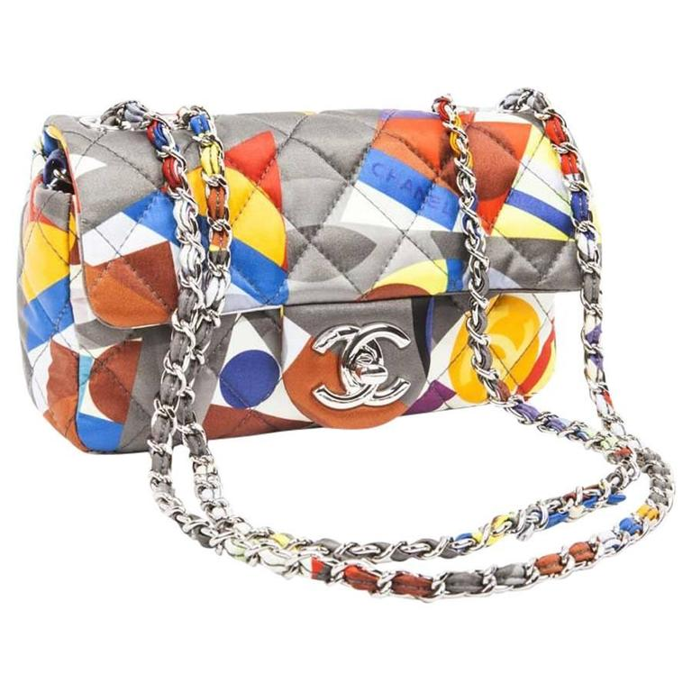 CHANEL Bag in Silk Multicolored Geometric Patterns