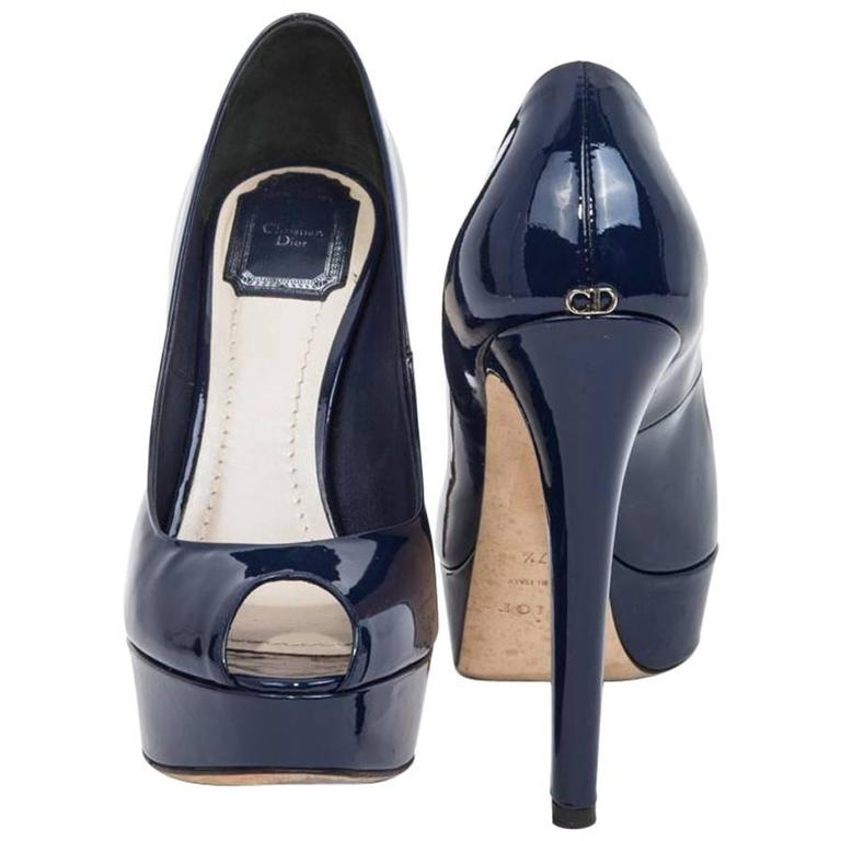 ca28fda76ba DIOR Pumps Size 37.5 FR in Patent Blue Leather For Sale at 1stdibs