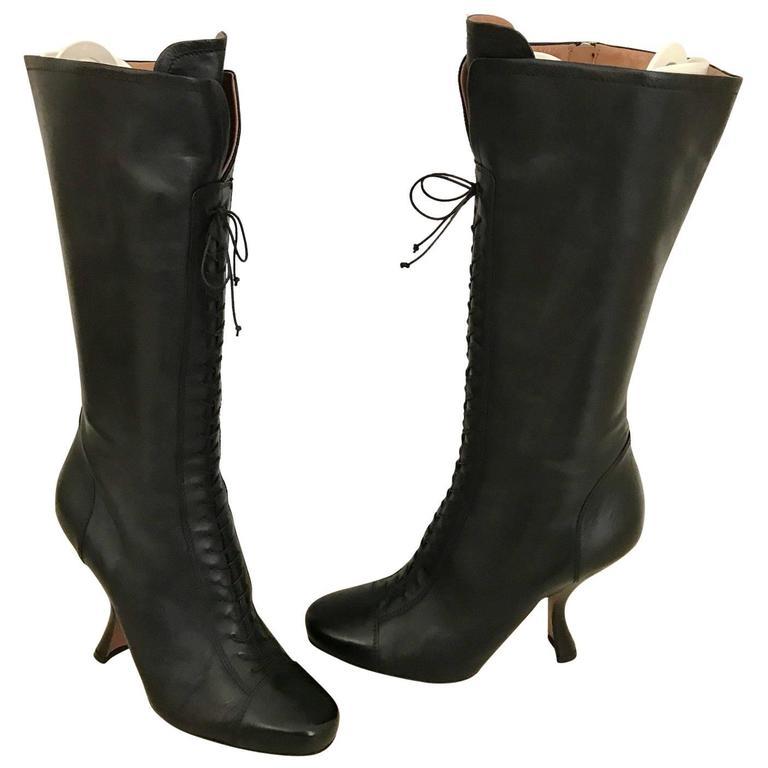Vintage ALAIA black leather knee boot For Sale