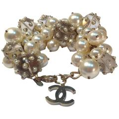 CHANEL Bracelet in Glass Large Pearls