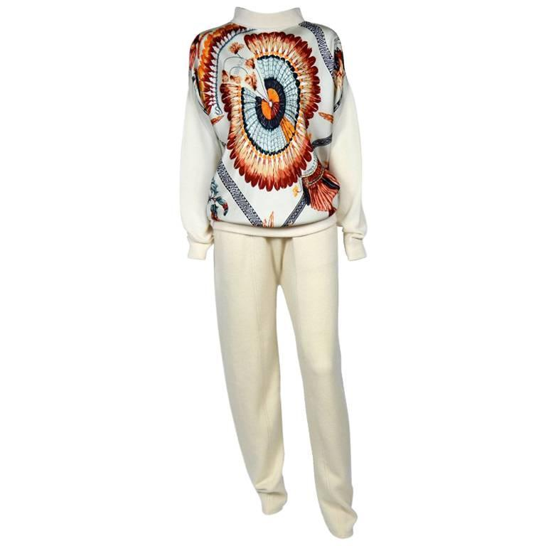 HERMES Blouse and Trousers Set Size 40FR in Silk and Cashmere 'Feathers' Pattern