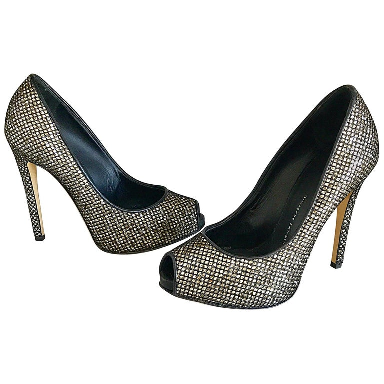 Giuseppe Zanotti Black and Silver Glitter Size 37 / 7 Peep Toe Shoes High Heels  For Sale