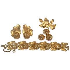 Elsa Schiaparelli Brushed Gold Swarofski Crystal Demi Parure S/4