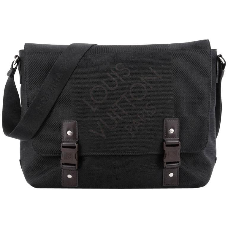 7c9634e107db Louis Vuitton Geant Messenger Bag Limited Edition Canvas at 1stdibs