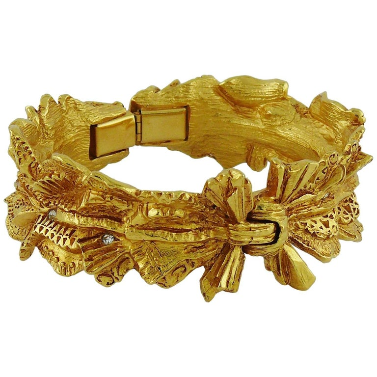 Christian Lacroix Vintage Textured Gold Tone Ribbon Bow Clamper Bracelet 1