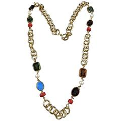 Gilt metal Chain Necklace with engraved Murano glass