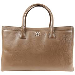 Chanel Elephant  Pebbled Leather Cerf Tote