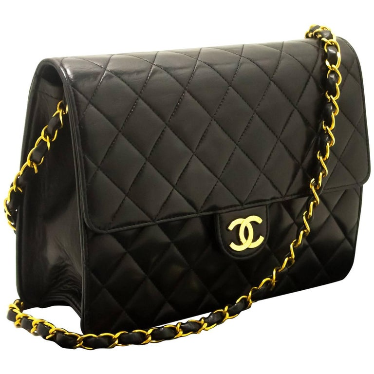 61cf59f40af7 Chanel Chain Shoulder Bag Clutch Black Quilted Flap Lambskin Purse ...