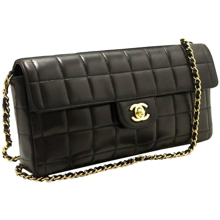 4bac29f11d926f CHANEL Chocolate Bar Gold Chain Shoulder Bag Clutch Black Quilted For Sale