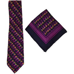 Men's Brioni Neck Tie in a Splash Pattern with a Complimentary Pocket Square