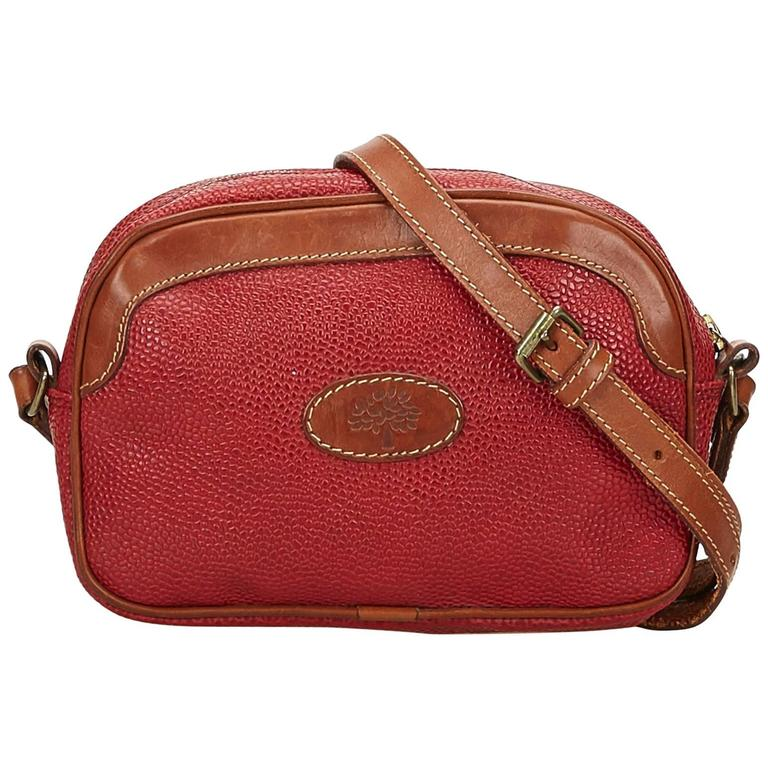66106fb06c Mulberry Red Leather Shoulder Bag For Sale at 1stdibs