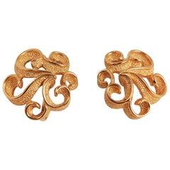 1960s Trifari Golden Swirl Clip On Earrings