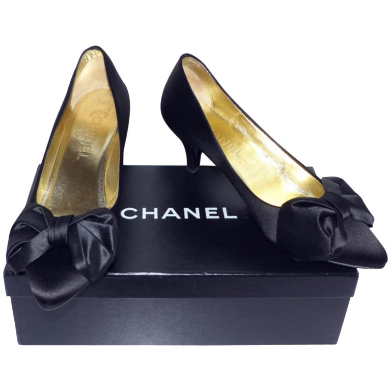 Chanel classique satin evening shoes Black satin / RARE / LIKE NEW  1