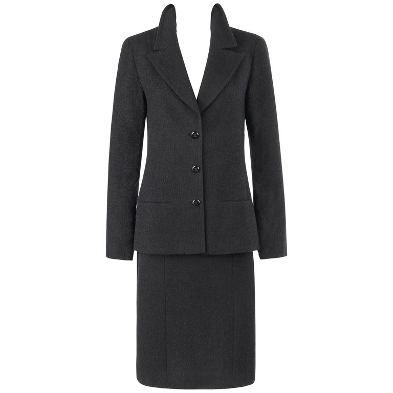 CHANEL A/W 1998 2 Piece Classic Black Boucle Wool Blazer Pencil Skirt Suit Set