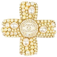 Chanel 05A Gold Tone Faux Pearl 'CC' Logo Cross Pin Brooch