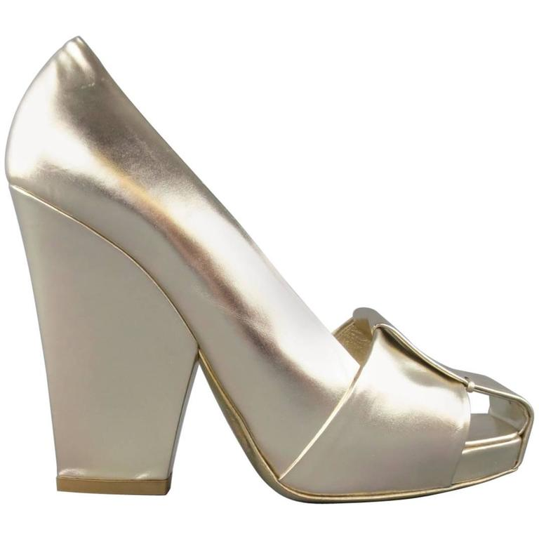 7f46ff2ade8 YVES SAINT LAURENT Size 7.5 Metallic Gold Leather Cutout Thick Heel Pumps  For Sale
