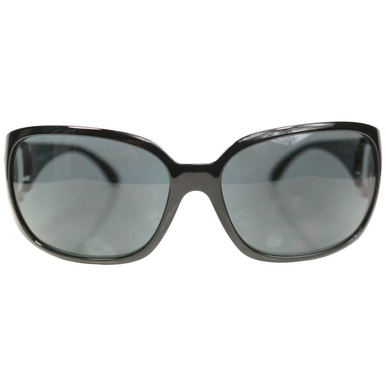 "Chanel Black Frame ""CC"" Logo Sunglasses For Sale"