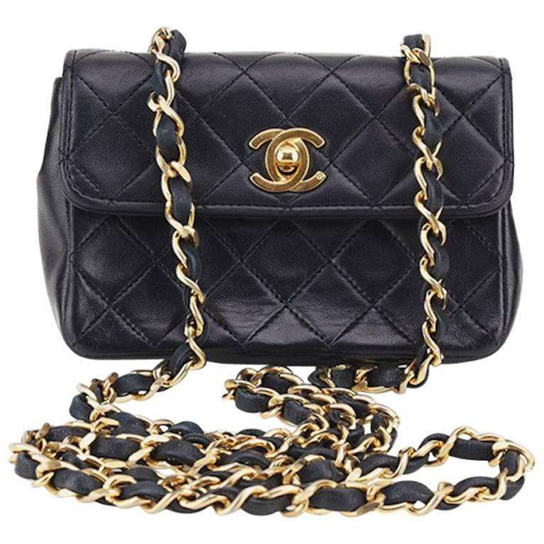 d5d89e9a286e Chanel Black Quilted Lambskin Mini Flap Shoulder Bag For Sale at 1stdibs