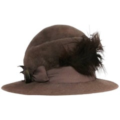Edwardian Round Fur Felt Hat w/ Feather