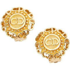 Vintage CHRISTIAN DIOR Clip-on Earrings in Gilt Metal