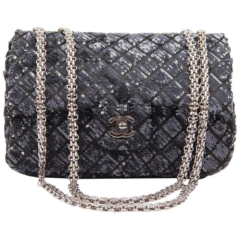 8993d981079e CHANEL  Timeless  Flap Bag in Blue Night Sequins For Sale at 1stdibs
