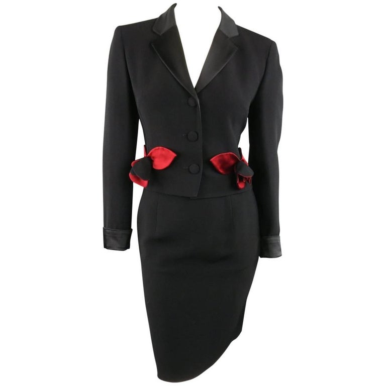 Vintage MOSCHINO Cheap & Chic 8 Black & Red Roses Skirt Suit 1
