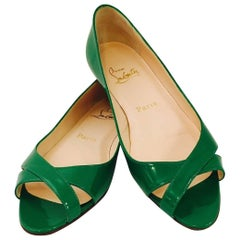 Charming Christian Louboutin Emerald Green Patent Leather Low Heels w/Peep Toe