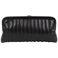 CHANEL Clutch in Black Smooth Lamb Leather
