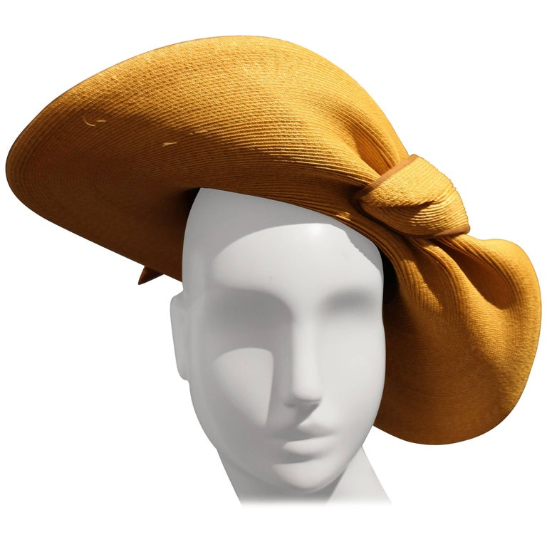 1940s Gene Doris Sculpted Brim Straw Hat w Brown Ribbon Band For Sale