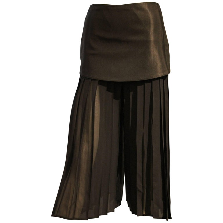 1980s Gianni Versace Japanese-Inspired Pleated Silk Chiffon Palazzo Pants  For Sale