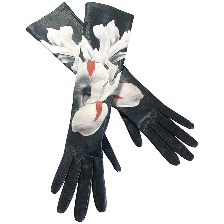 Christian Dior by Raf Simons limited-edition hand-painted leather opera gloves, 21st century, offered by Brent Amerman