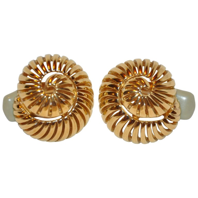 Ciner Gilded Gold Vermeil Hardware Quot Seashell Quot Earrings For