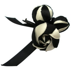 1980's Chanel Camellia Flower Black and white silk Brooch / Excellente Condition